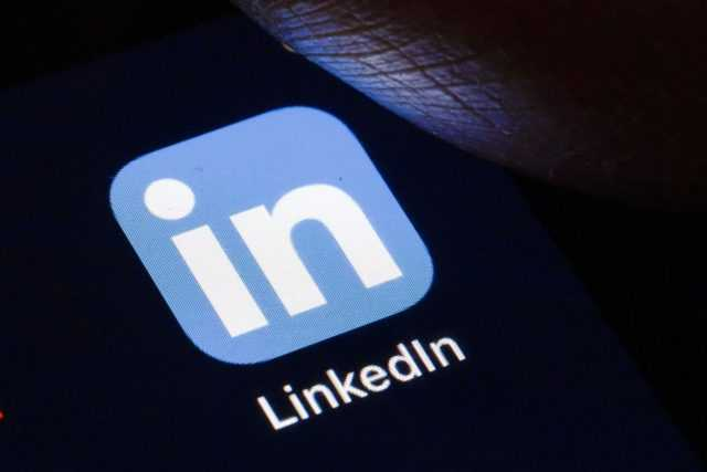 The LinkedIn app will stop copying clipboard content repeatedly on iOS devices