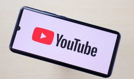 Googles new smartreply in youtube comment for english and spanish language